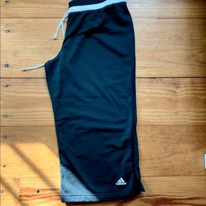 Adidas black Capri pants size large